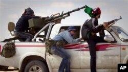 Libijski pobunjenici na prilazima Bengazija