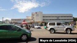 Hospital Central de Maputo. Av. Eduardo Mondlane.