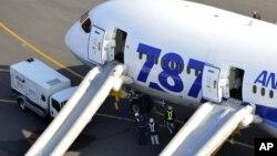 Boeing 787 Dreamliner, авиакомпании ANA, совершивший экстренную посадку в Такамацу, Япония. 16 января 2013 года