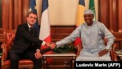 Idriss Deby et Emmanuel Macron à N'Djamena le 23 décembre 2018.