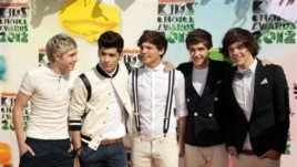 One Direction, from left, Niall Horan, Zayn Malik, Louis Tomlinson, Liam Payne, and Harry Styles at Nickelodeon's 25th Annual Kids' Choice Awards on March 31, 2012 in Los Angeles