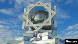 Ashgabat, Turkmaniston (suratni bossangiz, kattashadi)