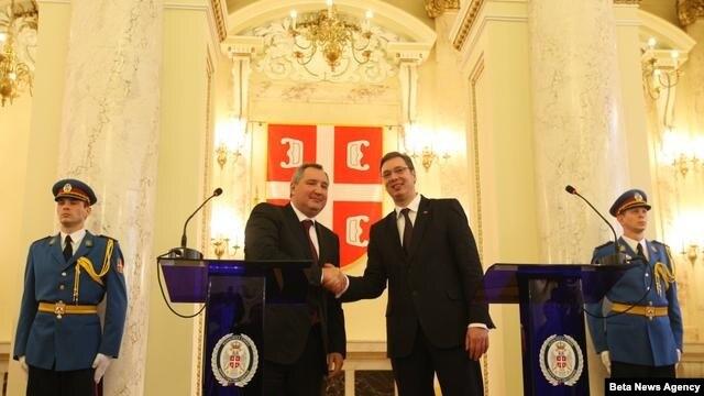 Prvi potpredsednik Vlade Srbije i ministar odbrane Aleksandar Vučić i potpredsednik ruske vlade Dmitrij Rogozin