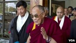 Dalai Lama meminta warga Tibet menggunakan kearifan untuk melawan tekanan oleh pemerintah Tiongkok (foto: dok).