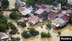 Vista aérea de un área residencial en Kyoto, donde las inundaciones provocaron la muerte de al menos 27 personas.
