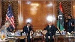 «لئون پانه تا» وزیر دفاع ایالات متحده و «عبدالرحیم الغیب» نخست وزیر لیبی