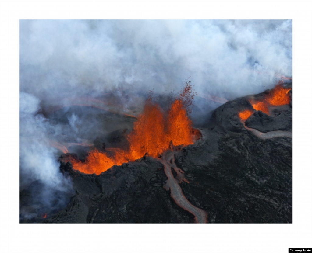 By January 2015 the Bárðarbunga volcano, which erupted five months earlier, had produced a lava flow bigger than Manhattan Island, New York. (Feo Pitcairn Fine Art)