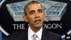 Presiden AS Barack Obama berbicara di Pentagon mengenai perang melawan kelompok militan ISIS, Senin (14/12).