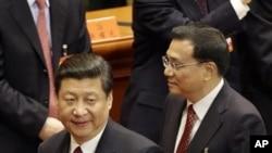 Ông Tập Cận Bình (trái) được xem như chủ tịch nước kế tiếp.