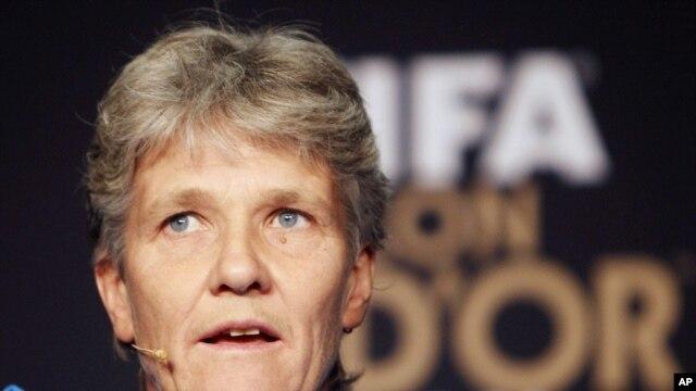 پیا سوندهاگ، مربی سوئدی تیم فوتبال زنان آمریکا