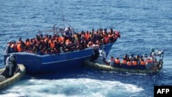 Chương trình Mare Nostrum đã cứu được ít nhất 100.000 di dân, đa số là từ Phi châu và Trung Ðông.