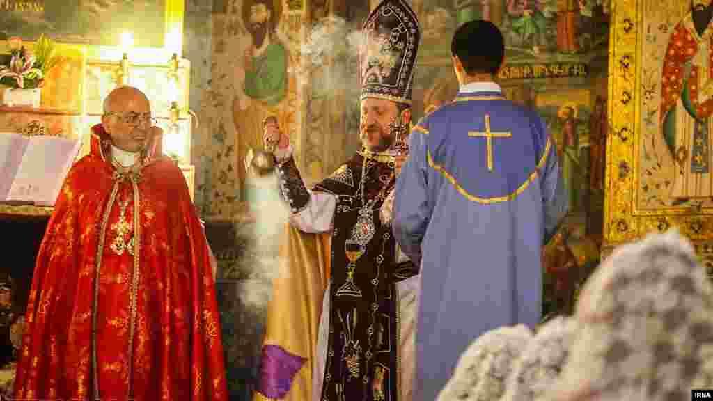 مسیحیان ارتدوکس ششم ژانویه هر سال مراسم اصلی خود را برگزار می کنند. کلیسای مریم در اصفهان عکس: کاظم قانع، ایرنا
