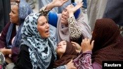 Родичі й прихильники засуджених членів Мусульманського братства в Єгипті