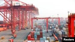 2018年4月29日中國山東日照港的繁忙景象。(路透社)