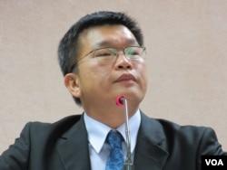 民进党立委 蔡其昌(美国之音记者 张永泰拍摄)