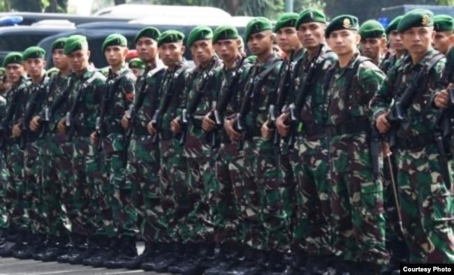 Personel TNI dalam sebuah latihan penanggulangan teror di Jakarta. (foto: Humas TNI)