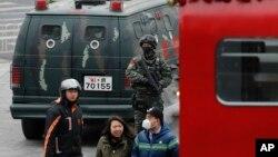 中国武警2015年12月27日在北京三里屯巡逻