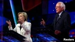 美国民主党总统参选人希拉里·克林顿和桑德斯。