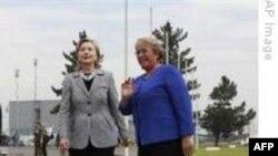 Dışişleri Bakanı Clinton Şili'de