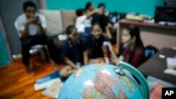 Người tị nạn Myanmar theo Cơ Đốc giáo trong một phòng học tại Kuala Lumpur, Malaysia, ngày 11 tháng 3, 2017.