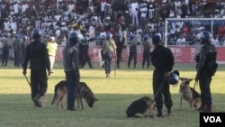 FILE: Highlanders supporters had running battles with the police at Babourfields Stadium in Bulawayo.