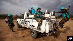 Para personel dari misi PBB-Uni Afrika di Darfur, Sudan atau UNAMID (foto: dok).