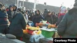 지난해 12월 북한 청진의 장마당.