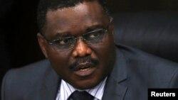 Ministan kiwon lafiyar Najeriya Onyebuchi Chukwu yayin da yake jawabi akan cutar ebola