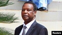 Mokonzi ya kala ya Burundi Pierre Buyoya na milulu na Kigali, le 7 avril 2014. (REUTERS/Noor Khamis)
