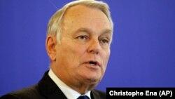 Le nouveau ministre des Affaires étrangères en France Jean- Marc Ayrault. (AP Photo / Christophe Ena )