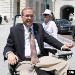 众议员吉姆.朗之万