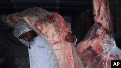 Beijing se dispone a normalizar el comercio con el gigante sudamericano luego de las medidas preventivas que tomó tras el escándalo de la carne adulterada.
