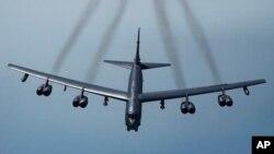 Esta foto de archivo de la Fuerza Aérea muestra un avión B-52H, el 21 de mayo del 2019. Dos de estos bombarderos sobrevolaron el Medio Oriente, en un mensaje de advertencia a Irán.