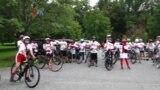 Susah Ngga Ya: Diaspora Indonesia Bersepeda Sambil Mengumpulkan Dana
