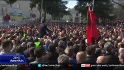 Shqipëri, opozita dorëzon mandatet