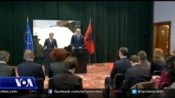 Donald Tusk viziton Shqipërinë