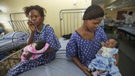 Mothers with their newborn babies in a Lagos hospital, (file photo) (AP).
