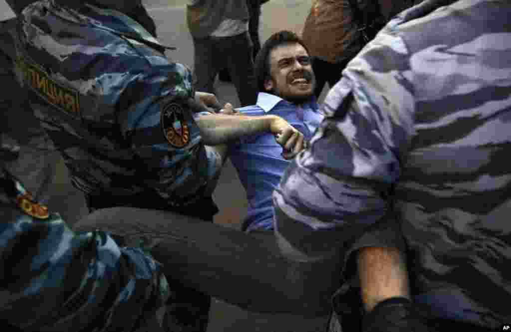 Разгон митинрующих на Краснопресненской