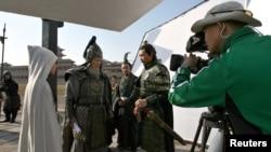 資料照:中國浙江省橫店影視城內一個古裝電視劇正在拍攝中