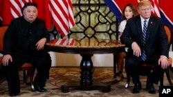 Дональд Трамп та Кім Чен Ин у Ханої 28 лютого 2019 року