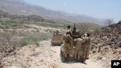 د یمن سبا نومې خبرې ادارې د عسکري زریعو په حواله ویلي په وژل شوو کسانو کې سعودیان، افغانان، صومالیان، چیچن او د نورو هیوادونو وسله والو شامل دي