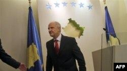 Fatmir Sejdiu nakon podnošenja ostavke na položaj predsednika Kosova 27. septembra 2010.