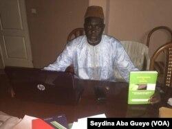 Imam Ahmadou Makhtar Kanté, auteur du livre astronomie et charia, à Dakar, 1er septembre 2017. (VOA/Seydina Aba Gueye)