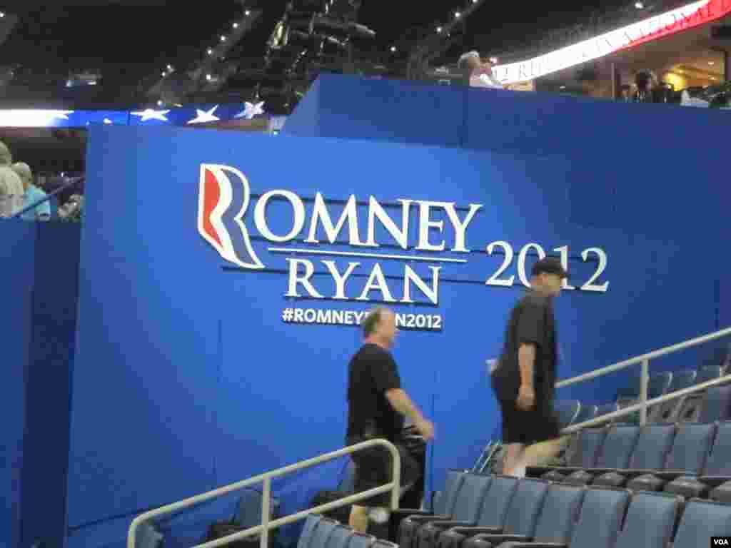 Une affiche pour le ticket Romney-Ryan