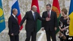 ملاقات رو در روی رئیس جمهور اوکراین با پوتین