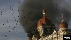 Serangan di Mumbai tahun 2008 yang mengakibatkan 166 orang tewas.