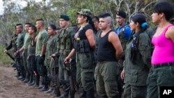 지난달 17일 콜롬비아 야리플레인스에서 제10차 컨퍼런스를 개최하고 있는 콜롬비아무장혁명군(FARC) 대원들.