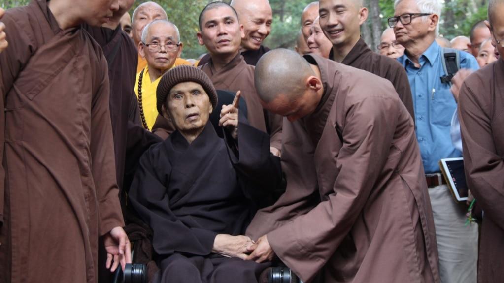 Thiền sư Thích Nhất Hạnh tại Tổ đình Từ Hiếu, Huế, 28/10/18.