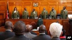 Mahkamah Agung Kenya saat menggelar keterangan dari Perdana Menteri Raila Odinga yang mengajukan petisi terkait hasil pemilu di Nairobi, Kenya, 25 Maret yang lalu (Foto: dok).