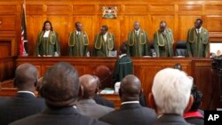 25일 케냐 대법원에 출석한 대법관들. 대법원은 30일 대통령 선거 재투표 여부를 결정할 예정입니다.